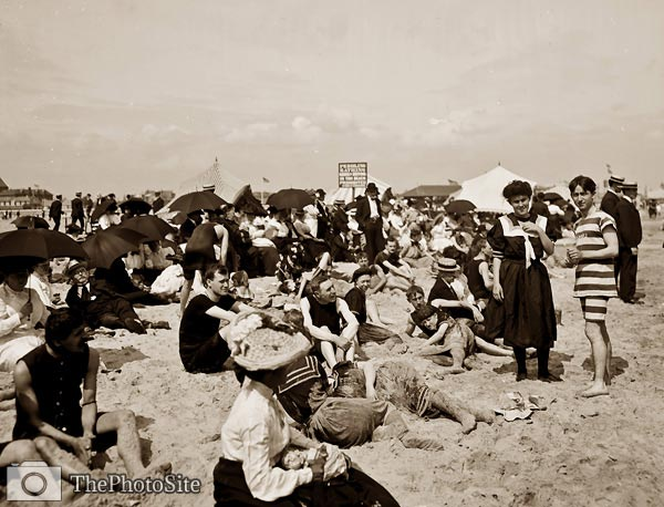 American beach crowd - Click Image to Close
