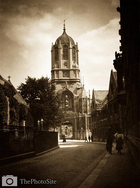 Tom Tower, Christ Church College, Oxford Victorian Britain - Click Image to Close