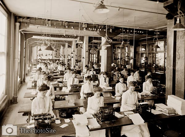 Typewriting department, National Cash Register, Dayton 1902 - Click Image to Close