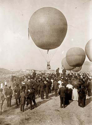 Hot air balloon race, Berlin 1908