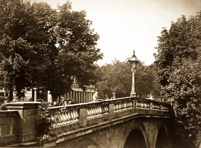 Bridge over the River Leam, Leamington. Photographed between 186