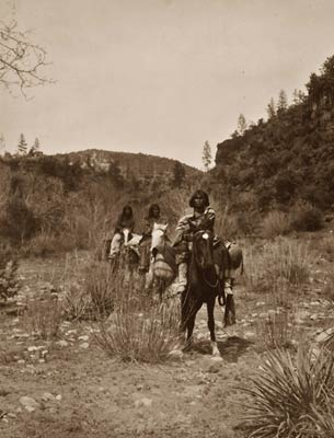 Apache land - Indians riding pack horses