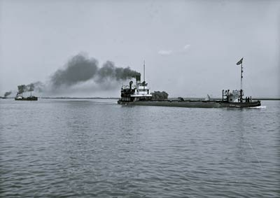Henry Cort whaleback and barge Manda