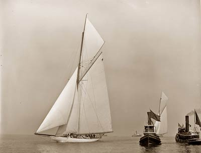 Columbia American racing yacht built in 1899