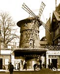 "The ""Moulin Rouge"" the ""warmest"" place in Paris, 1900"